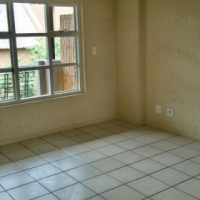 Flat to rent in Lonehill available from 3 September.