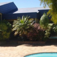 House for sale in Plattekloof.