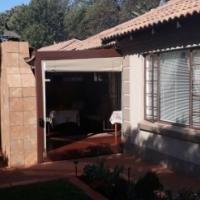 STUNNING TOWNHOUSE IN MONTANA PRETORIA - 3 BEDROOMS 2 BATHROOMS 2 GARAGES