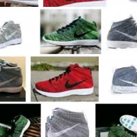 Subtype Sneakers