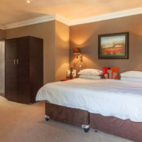 AUGUST SPECIAL! FAMILY UNIT@ R899 PER NIGHT/ SLEEPS 4, GREAT DEALS FOR A LONGER STAY