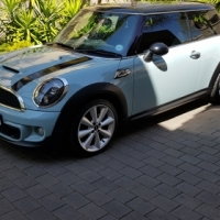 2011 mini Cooper s (finance available)