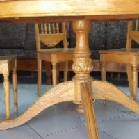 Beautiful 5 seater dining room set R 3300