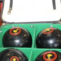 Bowling balls S025625a