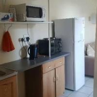 semi furnished 1 bedroom cottage - park west Bloemfontein
