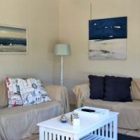 RAMSGATE – Newly Renovated Beachfront Duplex  – R890 000