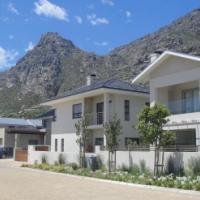 STONEHURST Luxury House with Maids quarters