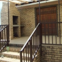 Luxurious & Spacious house for rental or sale, Witbank Model Park quiete area,