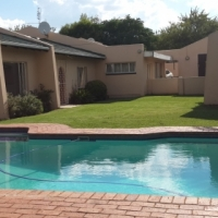 Open plan Studio to-let Bromhof Randburg, separate bathroom with shower only.
