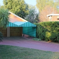 EXCELLENT VALUE FOR MONEY - 3 Bedroom Family House