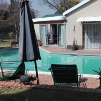 VICTORY PARK JOHANNESBURG LARGE GARDEN COTTAGE TO LET