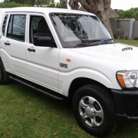 IMMACULATE 2013 Mahindra Scorpio 2.2 M-hawk Diesel  D-cab (ONLY 74 000km)
