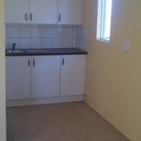 Protea Glen Ext 31 3bedroomed house to let for R3600 pre-paid electricity bathroom, kitchen, lounge