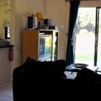 Private Sale 3 bedroom FULLY FURNISHED beachfront ground unit near Margate