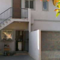4 Bedroom house for sale in Parktown Estate with 2 x Flat-lets