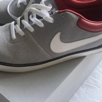 Nike SB Men's Sneakers Size 10 Grey And White TRAINERS