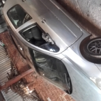 Hi stripping a Peugeot 307 for spares