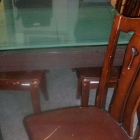 Secondhand Dinning-room Table with Glass-top & 6 Chairs