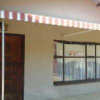 House with 1 Bedr flat for sale
