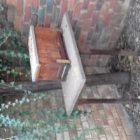 Byekorf houer en werkstafel