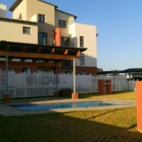 Stunning 2 Bedroom 1 Bath in Barbaque Downs,Kyalami for Sale R 1,150,000