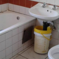 Roodepoort open plan bachelor small block of flats with kitchenette Rental R2500 excl in town