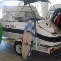 2016 sensation speedboat met n 125 mercery motor.