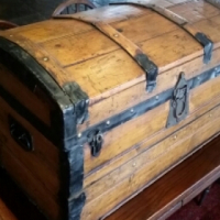 Antique Travellers Chest Kist