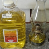 Oil Lamp Antique Style with 5 litres lamp oil