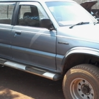 Ford currier lexus v8 4x4