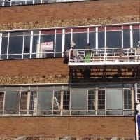 400 Sq Mt Factory 3 Phase Power in Garrison Hse with Operational lift in Greyville