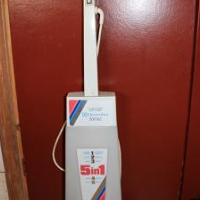 Electrolux Carpet cleaner.