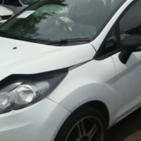 salvage/accident ford fiesta 1.4