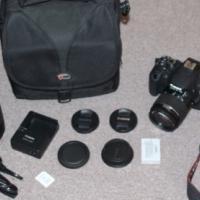 Canon EOS 700D SLR camera + 2 lenses