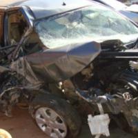 salvage/accident nissan livinia