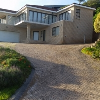 HOLIDAY ACCOMMODATION - GLENTANA 18Km from George and 35 Km from Mosselbay. Sleeps 6 people