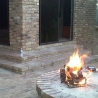 Leeupoort Holiday Village accommodation right in the buschveld,56km from Thabazimbi. 3 bedr house 6-