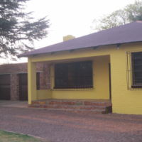 Stunning spacious 3-bedroom house fully furnished......just bring your clothes