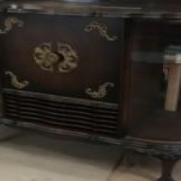 Ball and claw Radiogram