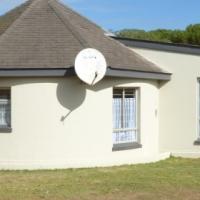 2 bedroom cluster to rent close to Hermanus
