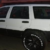 Jeep Grand Cherokee Larado