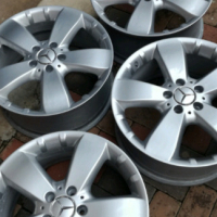 18' Merc ML 350 / 500 Mag wheels / Rims only