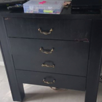 Small wooden chest of drawers