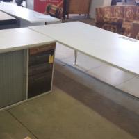 White L shape desk / Reception desk