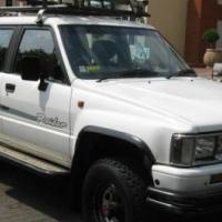 Toyota Hilux 2.4 (22R) 4x4 Raider DCAB