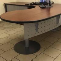 Kantoor tafel en stoel te koop