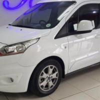 FORD GRAND TOURNEO CONNECT 1.6TDCi Titanium - 13000km - R339,995