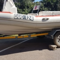 Gladiater 5.6m dive Duck with two Yamaha 50 hp 3 cylinder auto lubes