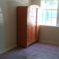 Lovely big room with bathroom & Kitchenette to rent