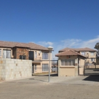 PRIVATE SALE: 2 Bedroom apartment in Potchefstroom